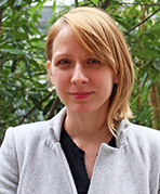 Dr. Veronika Gežík